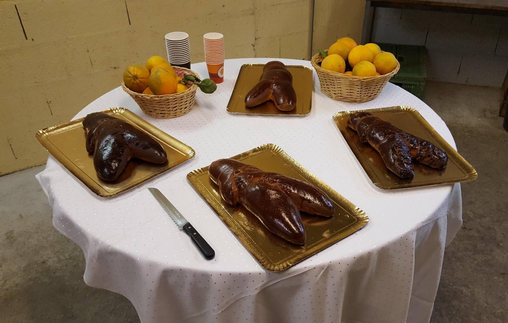 Alors quoi de neuf cette semaine ? Les articles de fêtes font leur entrée ! St Nicolas en chocolat, pain d'épices, foie gras… Il n'y a plus qu'à se laisser tenter 😊 Rendez-vous tout de suite Ce vendredi nous fêterons également la St Nicolas à la Ferme Reymann autour de notre traditionnel chocolat chaud fait maison sans oublier le célèbre manala